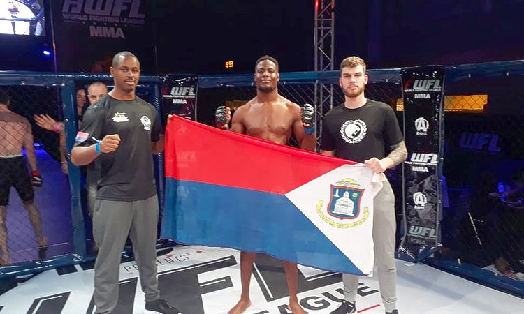 St. Maarten's Lewis wins MMA fight by first round K.O.