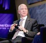 Bezos pledges $10 bln to climate change fight
