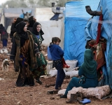No place to go: Syrian families fleeing Idlib stranded on roads