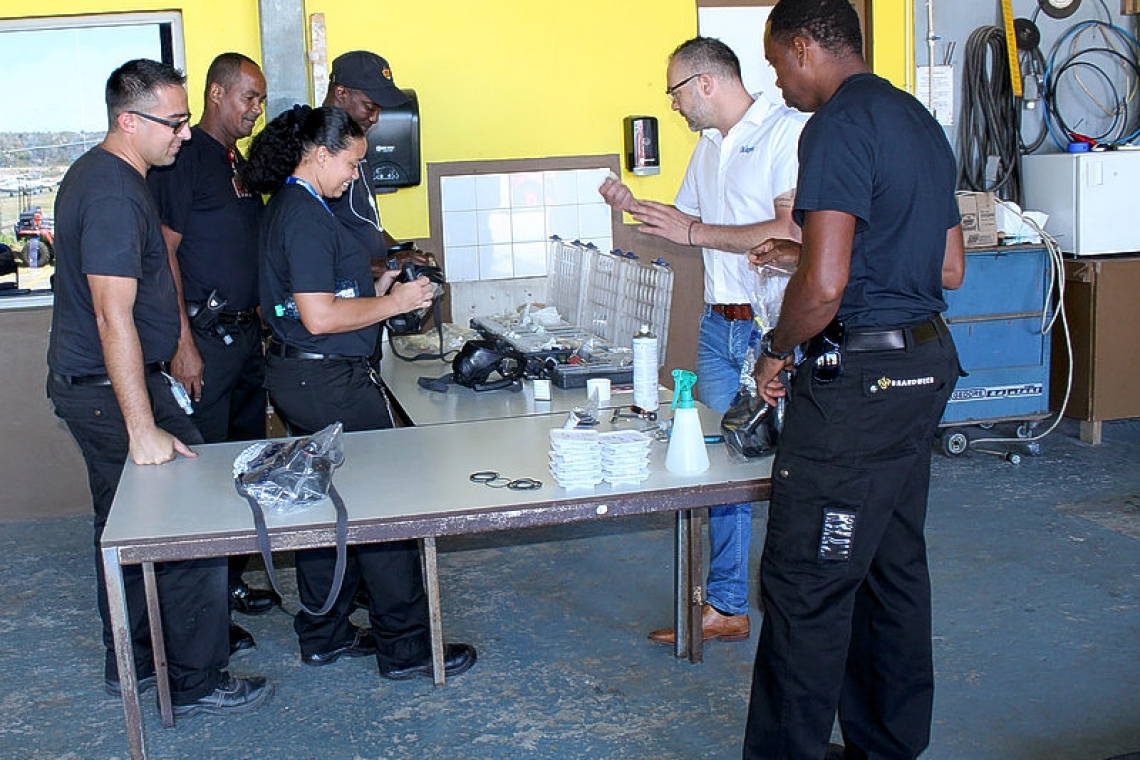 Training course on breathing apparatus at Statia's Fire Dept.