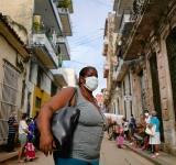 Online shopping highlights Cuba's inequality gap
