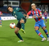 Mee heads Burnley up to eighth with win at Palace