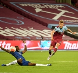Yarmolenko earns West Ham vital 3-2 win over Chelsea
