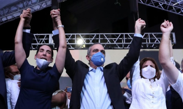 Opposition declares victory  in DR's virus-scarred vote