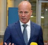 Additional 25M euros for  food parcels for islands