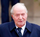 Former king Juan Carlos leaves Spain amid corruption allegations