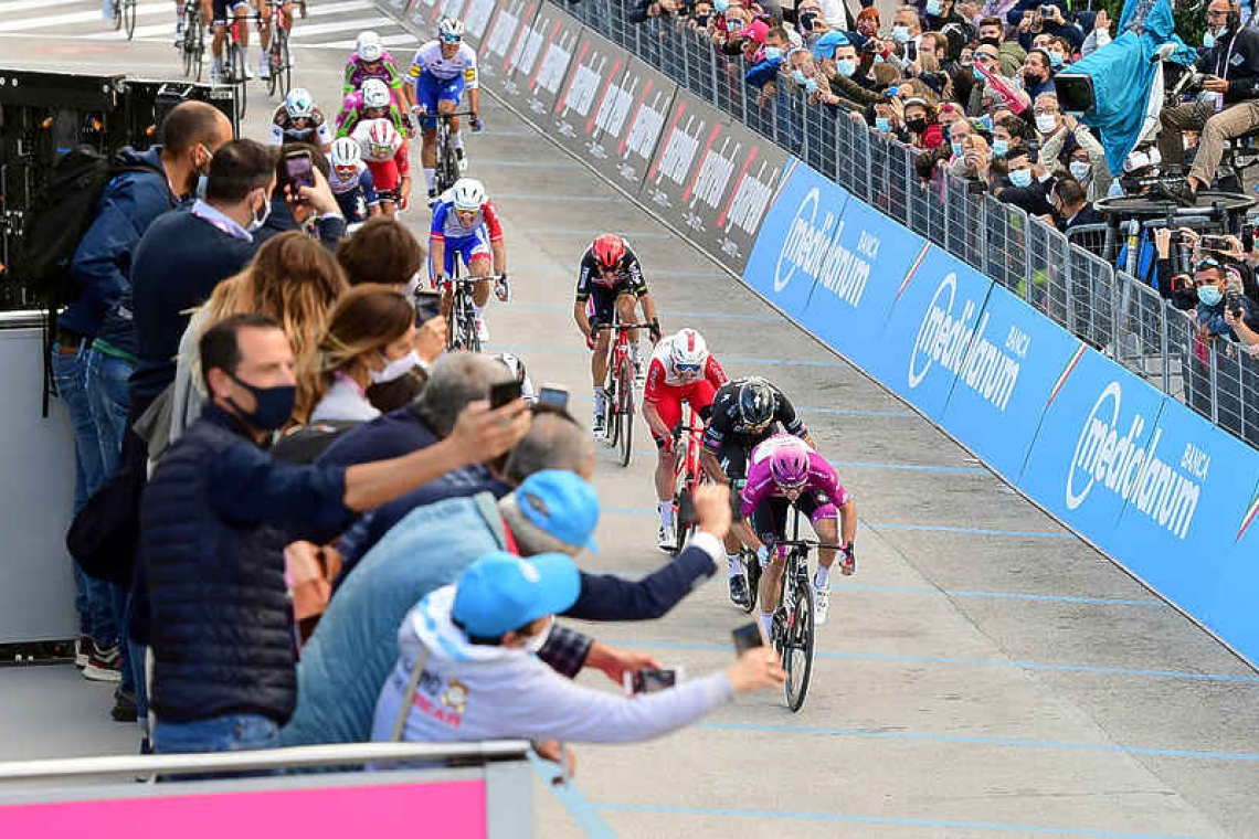 Ecuador's Narvaez solos to  win on Giro's 12th stage