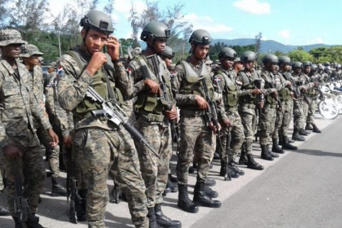 Nearly 10,000 DR soldiers  protect border with Haiti