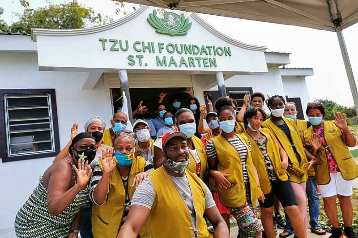 Tzu Chi brings holiday  cheer to 1,530 families