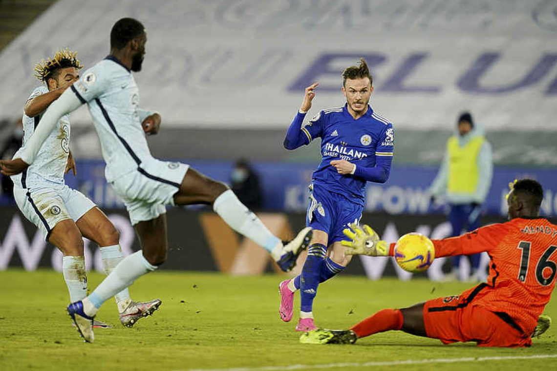 Leicester go top with 2-0 win over Chelsea